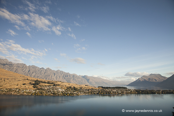 QUEENSTOWN NZ-3382